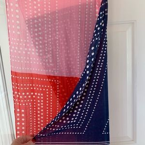 NWT LIGHTWEIGHT BEAUTIFULLY MATCHED SCARF!
